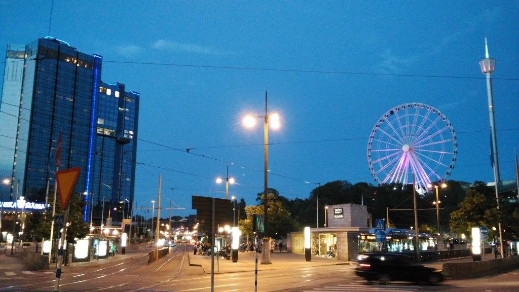 Gothenburg setelah matahari terbenam, 21.55